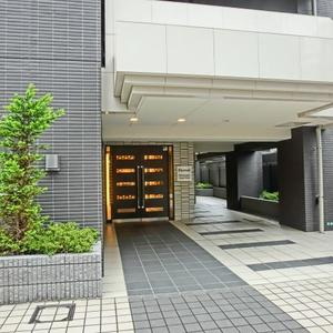 エターナル南千住グラン東京のマンションの入口・エントランス
