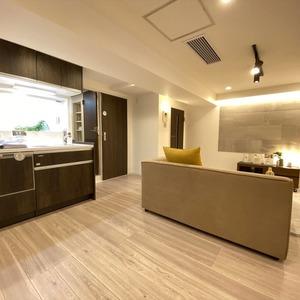 ブロードウェイ(5階,4699万円)の居間(リビング・ダイニング・キッチン)