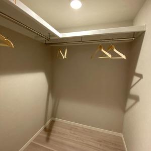 ブロードウェイ(5階,4699万円)の洋室(2)