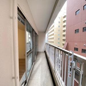ブロードウェイ(5階,4699万円)のバルコニー