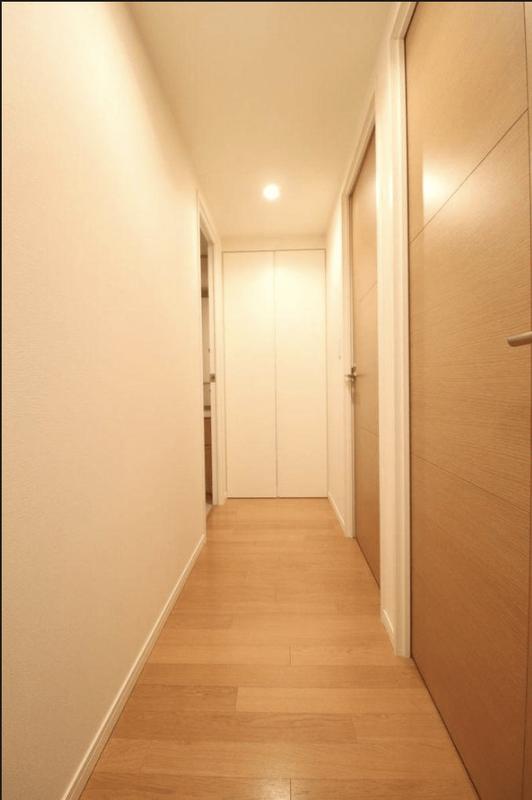 目白プレイスタワー7180万円のお部屋の廊下1枚目