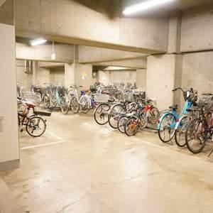 スカイシティ南砂の駐輪場