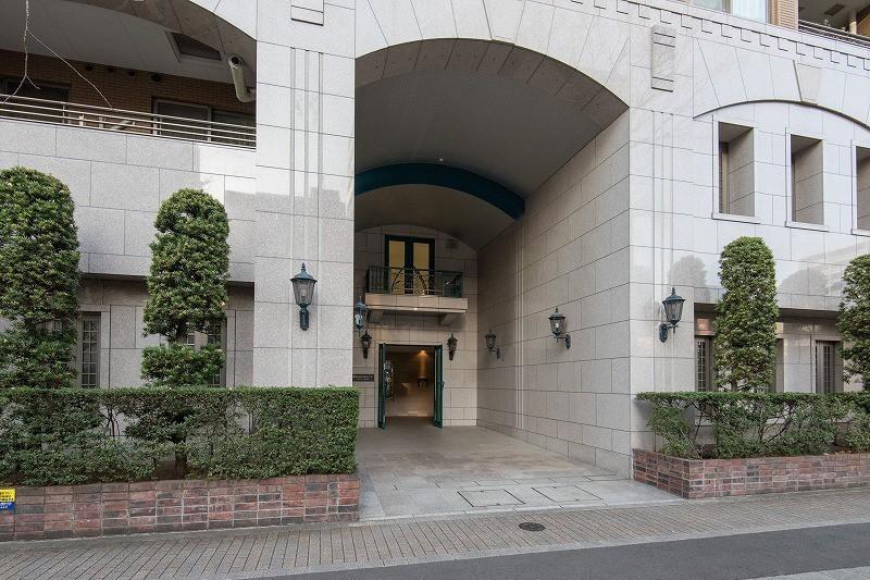 グランスイート明石町のマンションの入口・エントランス1枚目