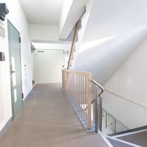 太平洋戸越マンション(2階,)のフロア廊下(エレベーター降りてからお部屋まで)