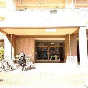はなみずき通り北参番館のマンションの入口・エントランス