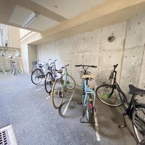 ヴェルデ森下の駐輪場