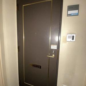 ヴェルデ森下(4階,)のフロア廊下(エレベーター降りてからお部屋まで)