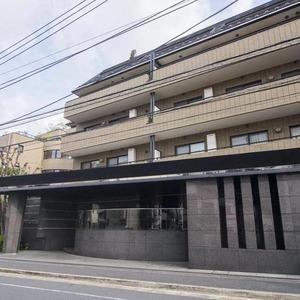 ロムルスコート幡ヶ谷のマンションの入口・エントランス