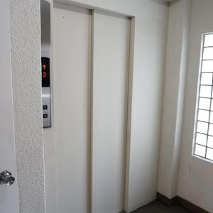 VIP日本橋浜町のエレベーターホール、エレベーター内