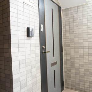 ルミエール落合(6階,4350万円)のフロア廊下