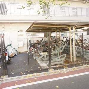 青葉台フラワーマンションの駐輪場