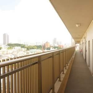 青葉台フラワーマンション(12階,5080万円)のフロア廊下