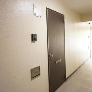 パシフィック白金台(5階,)のフロア廊下(エレベーター降りてからお部屋まで)