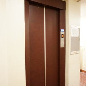 クレール五反田のエレベーターホール、エレベーター内