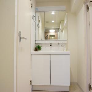 コスモ上馬(2階,4080万円)の化粧室・脱衣所・洗面室