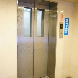 エクラン大森北のエレベーターホール、エレベーター内