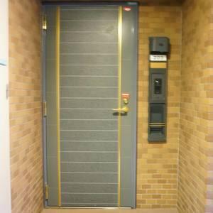 エクラン大森北(2階,4290万円)のフロア廊下