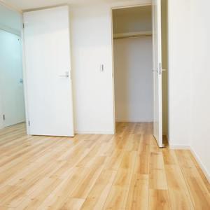 ディオレ西新宿(12階,6980万円)の洋室(2)
