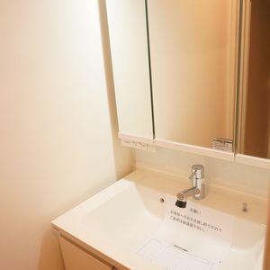 中銀高輪マンシオン(13階,2880万円)の化粧室・脱衣所・洗面室