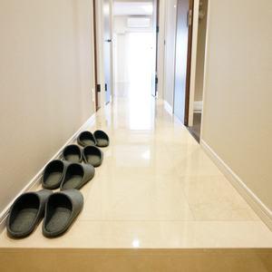 マンション広尾台のお部屋の廊下