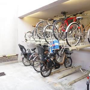 東急ドエルアルス小石川の駐輪場