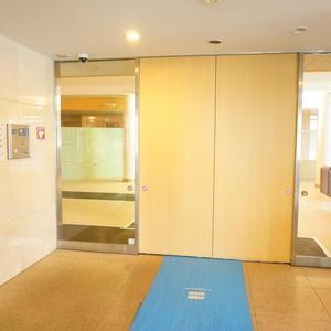 小石川ザレジデンスイーストスクエアのマンションの入口・エントランス