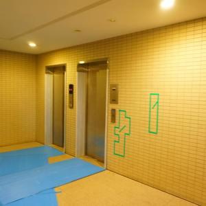 小石川ザレジデンスイーストスクエアのエレベーターホール、エレベーター内