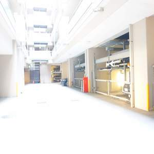 小石川ザレジデンスイーストスクエアの駐車場