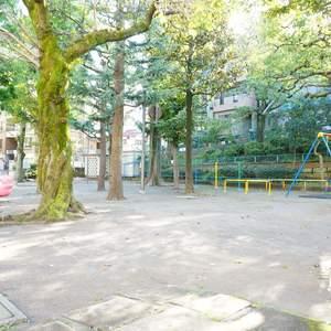 ファミネス小石川の近くの公園・緑地