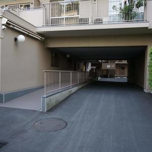 飯田橋第一パークファミリアのマンションの入口・エントランス