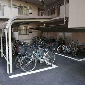 飯田橋第一パークファミリアの駐輪場