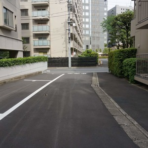 飯田橋第一パークファミリアの駐車場