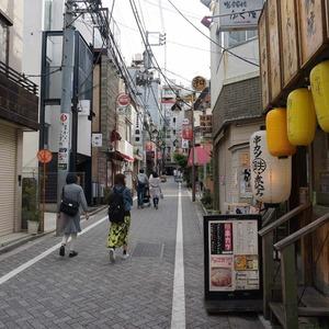飯田橋第一パークファミリアの最寄りの駅周辺・街の様子