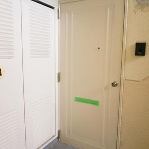 エステート猿江3号棟(4階,)のフロア廊下(エレベーター降りてからお部屋まで)
