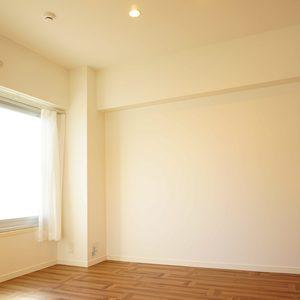 東急ドエルアルス石川台B棟(4階,2790万円)の洋室