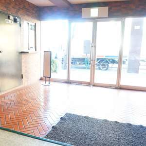 柿の木坂サニーハイツのマンションの入口・エントランス