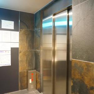 スパシエ日本橋エセンザのエレベーターホール、エレベーター内