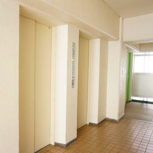 トキワパレス(9階,)のフロア廊下(エレベーター降りてからお部屋まで)