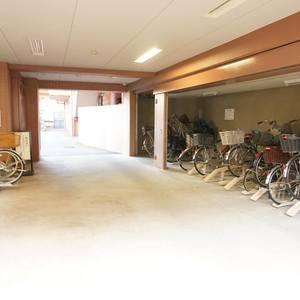 コスモ板橋本町シティフォルムの駐輪場