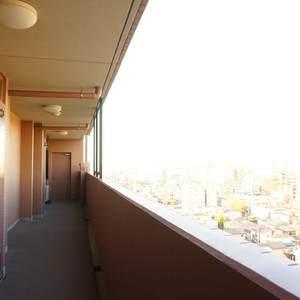 コスモ板橋本町シティフォルム(13階,)のフロア廊下(エレベーター降りてからお部屋まで)