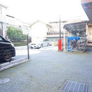 コスモ板橋本町シティフォルムの駐車場