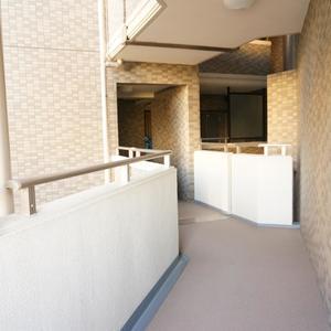 パークハイツ板橋志村(2階,)のフロア廊下(エレベーター降りてからお部屋まで)