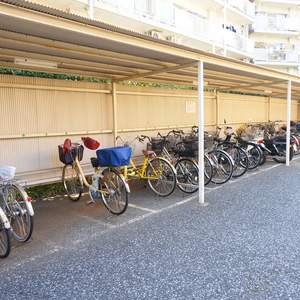 中銀城北パークマンシオンの駐輪場