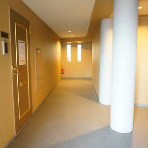 旗の台フラット(4階,)のフロア廊下(エレベーター降りてからお部屋まで)