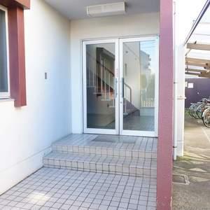 エル・アルカサル中野のマンションの入口・エントランス