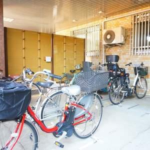クレセントマンションの駐輪場