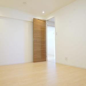 クレセントマンション(8階,7299万円)の洋室(2)
