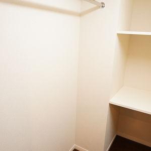 スカイコート神楽坂参番館(3階,4590万円)のシューズインクローゼット