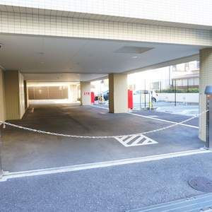 パークハウス中野アーバンスの駐車場