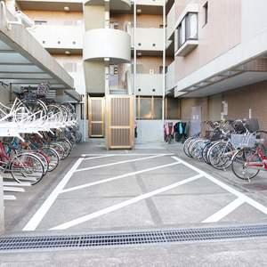 グランヴェルジェ蓮根の駐輪場